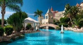 Tres hoteles españoles galardonados por su excelencia|Foto: Hotel Bahía del Duque en Tenerife, premiado al 'Mejor servicio'- Viajes El Corte Inglés
