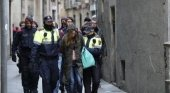 El turismo masivo, la droga y los manteros degradan a Barcelona|Foto: Jordi Soteras vía El Mundo
