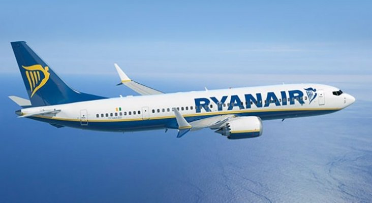 Ryanair cesa su actividad en Vigo y traslada su operativa a Santiago y Oporto