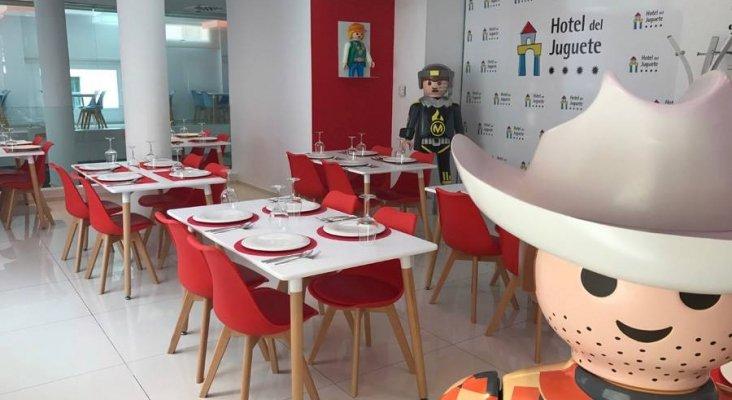 Hotel del Juguete, un concepto de hotel para Niños Grandes y Pequeños-4