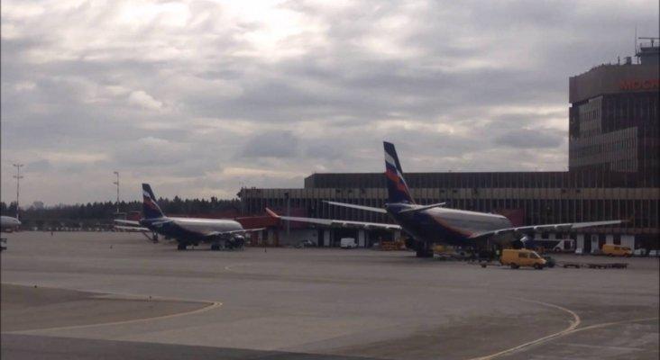 Un hombre muere atropellado por un Boeing 737|Foto: Aeropuerto Internacional Sheremetyevo de Moscú-  carsot vía Youtube