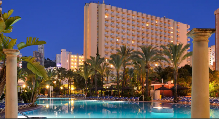 Trivago premia a los mejores hoteles de España| Foto: Sol Pelícanos Ocas by Meliá (Benidorm) distinguida con el pemio 'Presencia online'- melia.com