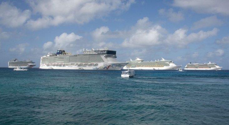 Francia condena a naviera y a capitán por la contaminación de un crucero