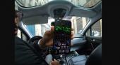 Condenan a 8 meses de cárcel a un taxista por timo a turistas|Fotograma del vídeo vía El Mundo