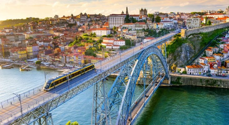 Portugal reelegido como 'Mejor destino turístico del mundo' por los World Travel Awards|Foto: Porto- thrillist.com