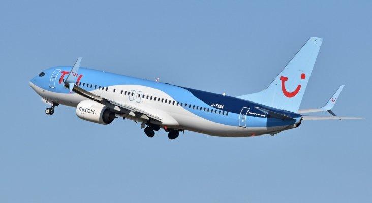 TUI  Airways incorpora a su flota el Boeing 737-8 MAX pese a la alerta de la FAA|Foto: Boeing 737-8K5(w) 'G-TAWA'- CC BY-SA 2.0 Alan Wilson