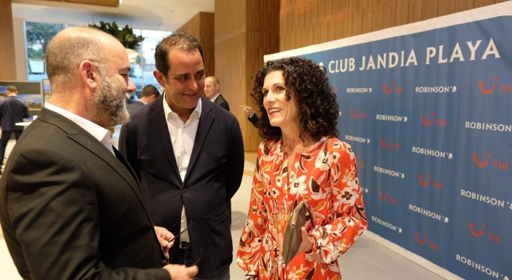 Moisés Jorge, Blas Acosta y Joanne Walton, TUi Destination Manager Fuerteventura