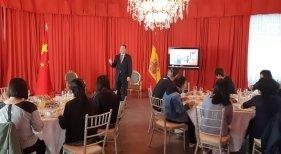 Periodistas chinos se interesan por el destino de Gran Canaria|Foto: David Morales, director de Lopesan Costa Meloneras (centro)