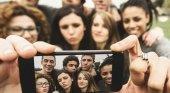 ¿Cómo viajan los millennials y los centennials?