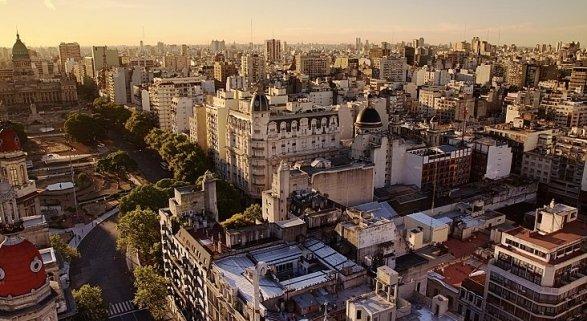 Buenos Aires suma casi un millón de asientos de vuelos internacionales en 3 años Foto: CC BY 2.0 Luis Argerich