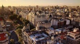Buenos Aires suma casi un millón de asientos de vuelos internacionales en 3 años|Foto: CC BY 2.0 Luis Argerich