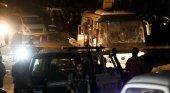 Explota autobús turístico cerca de las Pirámides de Egipto Foto: Reuters