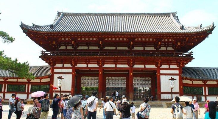 Japón exige tasa a los turistas para salir del país