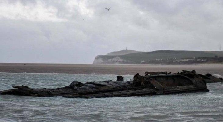 Reaparece un submarino alemán de la I Guerra Mundial en una playa francesa|Foto: AFP vía Sur
