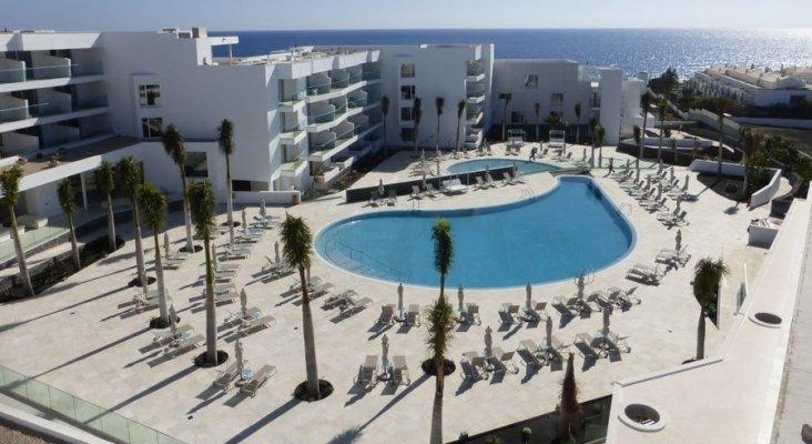 Puerto del Carmen (Lanzarote), dos hoteles 5 estrellas en dos meses