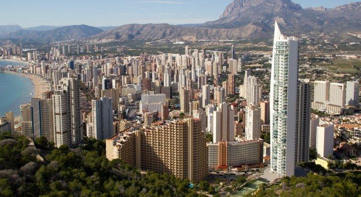 El nuevo reglamento de alquiler vacacional de C. Valenciana incluye dos categorías de pisos|Foto: Benidorm (Alicante)