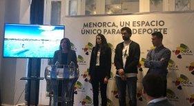 Dcha a Izqda. Maite Salord, Gemma Triay, Sergio Llull y Albert Torres durante la presentación de Menorca 'La isla del Deporte'