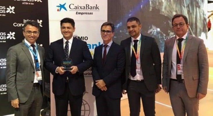 De izq. a drch.: Fernando Araña; Andrés Domínguez; Armando Rodríguez, Óscar Herrera; y Alejandro Pérez, del grupo HD Hotels & Resorts