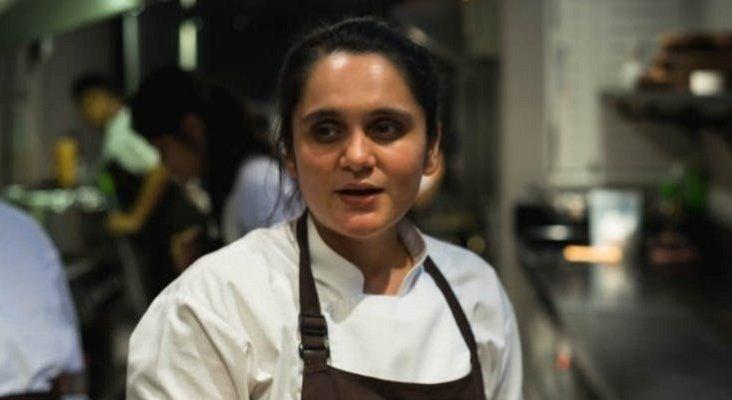 Garima Arora, la última chef en recibir la estrella Michelin | Foto:  YourStory.com vía Curlytales