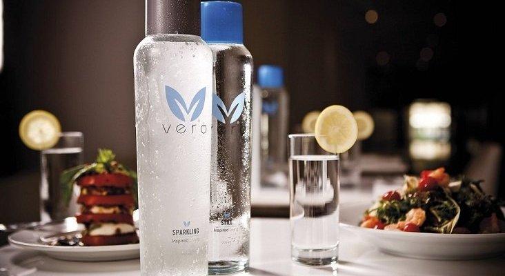 Oceania Cruises y Vero Water eliminarán las botellas de agua de plástico de los buques