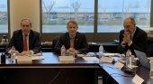 Enaire y DSNA se reúnen para consolidar su gestión del espacio aéreo | Foto: Ángel Luis Arias, Enaire (izq.); Eamonn Brennan, director general de EUROCONTROL (centro); y Maurice Georges, de DSNA - Enaire.es
