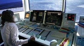 ENAIRE prescinde de los controladores aéreos para planificar el verano de 2019   Foto: publico.es