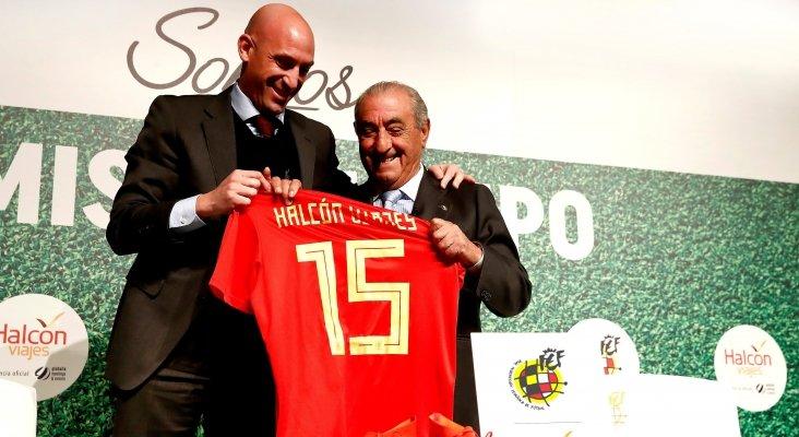 Halcón Viajes ficha por la selección española de fútbol | Foto: Luis Rubiales, presidente de la RFEF (izq.) junto con Juan José Hidalgo, presidente de Globalia