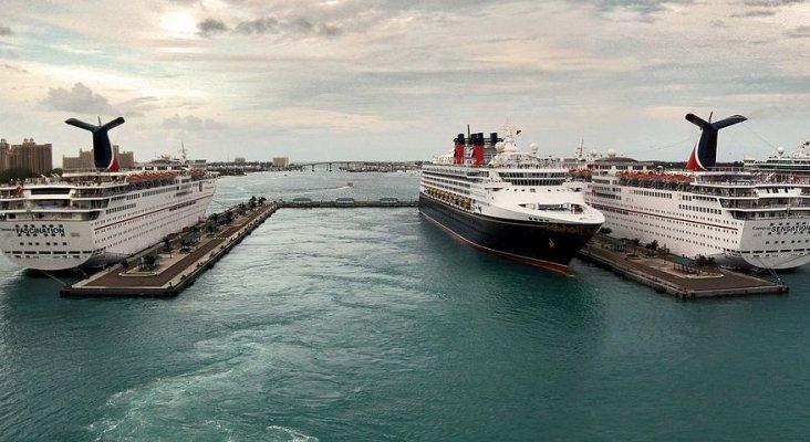 EE.UU. alerta a los turistas de la tasa de criminalidad en Bahamas | Foto: Puerto de Nassau (Nueva Providencia)- TampAGS CC BY-SA 3.0