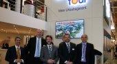 El presidente del Cabildo y el consejero de Turismo en una anterior edición de la ITB de Berlín