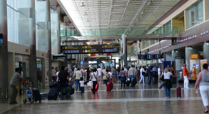 El turismo nacional compensa la pérdida de visitantes extranjeros en Canarias|Foto: Aeropuerto Tenerife Sur- Diario de Avisos