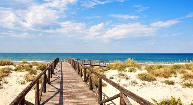 Seis hoteles Meliá para conocer la Costa de la Luz | Foto: Sol Sancti Petri acceso a la playa