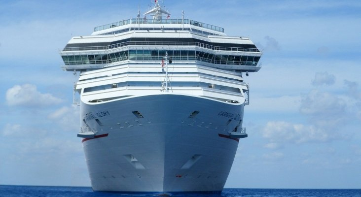Acusan a Carnival de verter aguas residuales en Bahamas