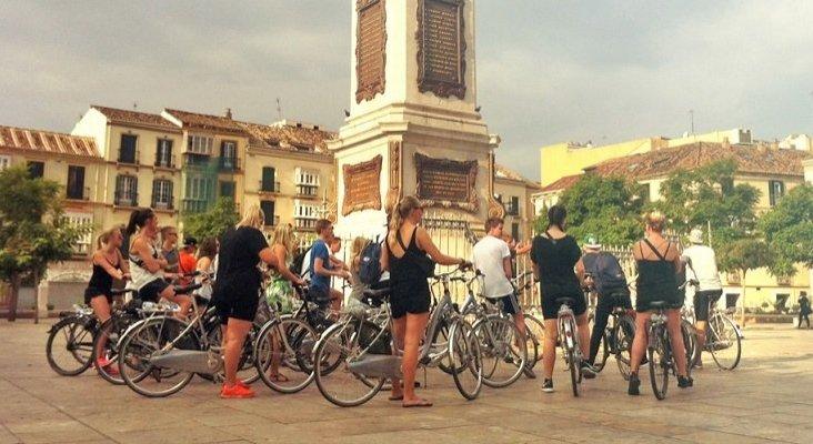 Revuelo en Málaga: prohíben a los turistas circular en bicicleta en el centro de la ciudad| Foto: biketoursmalaga.com