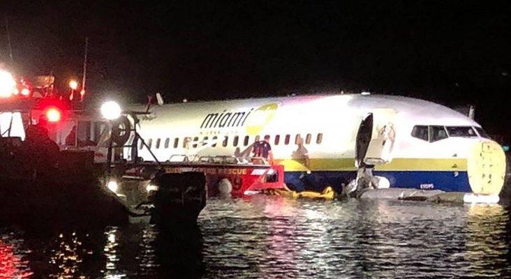 Un avión con 143 personas aterriza en el Rio St. John's, Florida
