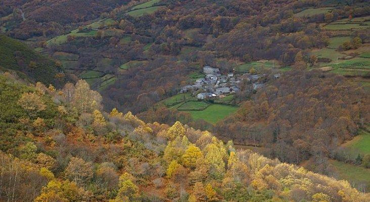 El 65% de los municipios gallegos ofrece alojamientos de turismo rural | Foto: Folgoso do Courel, Lugo-NovoaR CC BY-SA 2.0