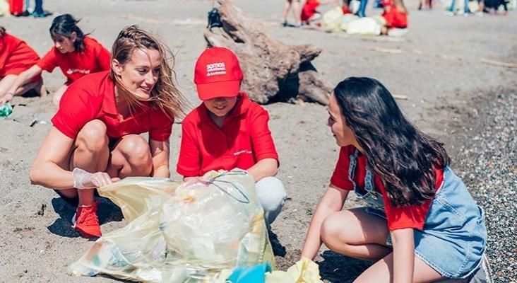 Banco Santander se suma a la limpieza de ríos y playas