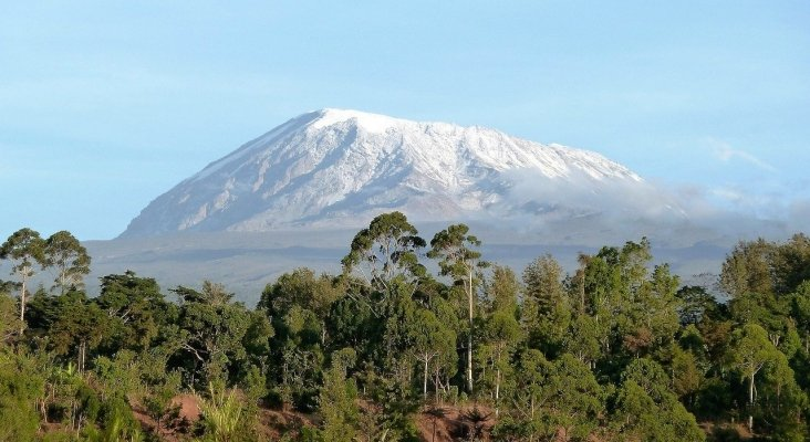 """Tanzania propone construir un teleférico para """"escalar"""" el Kilimanjaro"""