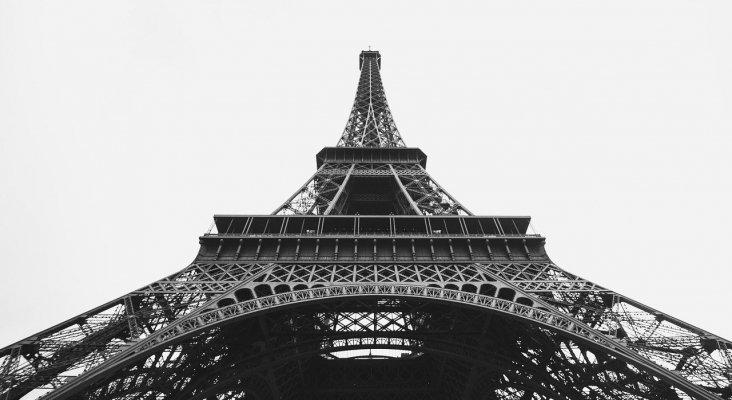 """Un """"escalador"""" provoca el cierre de la Torre Eiffel"""