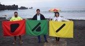 Solo una playa española es accesible para las personas con daltonismo | Foto: Emilio Navarro, alcalde de Santiago del Teide (centro) y Luz Goretti, concejala de Turismo del municipio tinerfeño