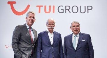 Fritz Joussen, CEO; Dr Dieter Zetsche, presidente del consejo de Supervisión; y Klaus Mangold