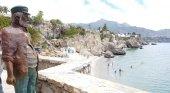 Chanquete recibirá a los turistas que visiten la Playa de Calahonda en Málaga