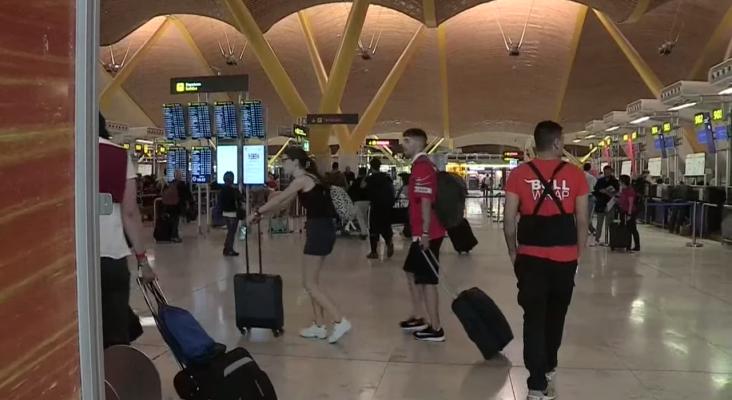 El fútbol lleva al aeropuerto de Madrid a récord histórico en un solo día