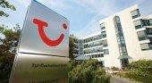 Exigen 7.000 euros a TUI por incidente con una puerta de cristal