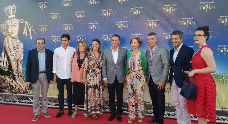 La alcaldesa de San Bartolomé de Tirajana, Conchi Narvaez, junto al Presidente de Lopesan, Eustasio López y los principales directivos de Cirque du Soleil y Lopesan