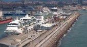 Una planta fotovoltaica, el plan de Port de Barcelona para reducir las emisiones de barcos atracados | Foto: Crónica Global