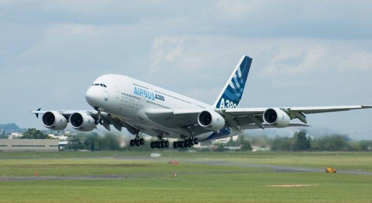 """A revisión los Airbus A380, tras hallar """"microfisuras"""" en sus alas"""