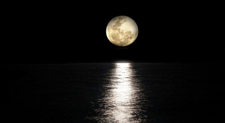 La luna, el lugar que visitarían los españoles si pudieran viajar al espacio