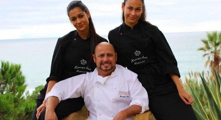 Por primera vez, un chef en Portugal devuelve su estrella Michelin | Foto: El chef Almancil Henrique Leis con sus hijas Rafaela (izq.) y Pietà (dch.) - henriqueleis.com