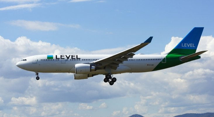 LEVEL, Airbus A330 202, EC MOY (35010932651)