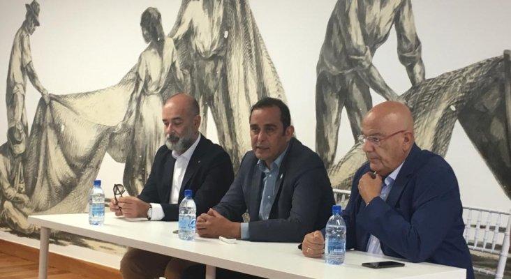 Moisés Jorge, gerente del Patronato de Turismo; Blas Acosta, presidente del Cabildo; y Antonio Hormiga, presidente de la patronal de turismo de Fuerteventura
